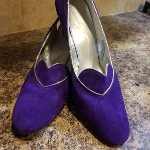 True vintage perfect purple pin up pumps size 9